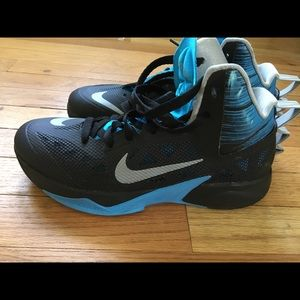 Nike Basketball Sneakers (Like New)